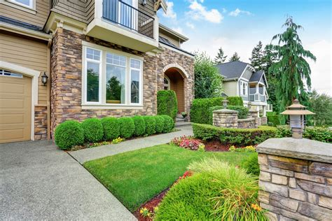 Home Depot Front Yard Design by Surprising Yard Features That Hgtv Says Will Keep Burglars