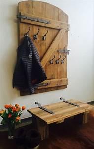 Garderobe Aus Paletten : die besten 25 paletten garderobe ideen auf pinterest diy garderobe garderobe diy und ~ Sanjose-hotels-ca.com Haus und Dekorationen
