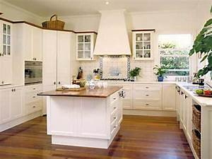 Small Square Kitchen Design Kitchen Decor Design Ideas