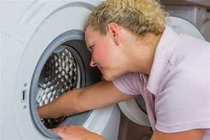 Geruch In Der Waschmaschine : hilfe die waschmaschine stinkt wie sie modrigen geruch verhindern ~ Watch28wear.com Haus und Dekorationen