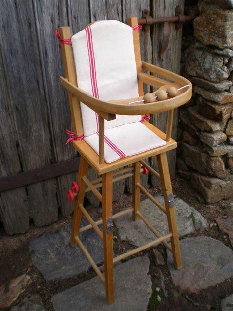 chaise haute bois poupée chaise haute ancienne en bois pour poupée vendue voir