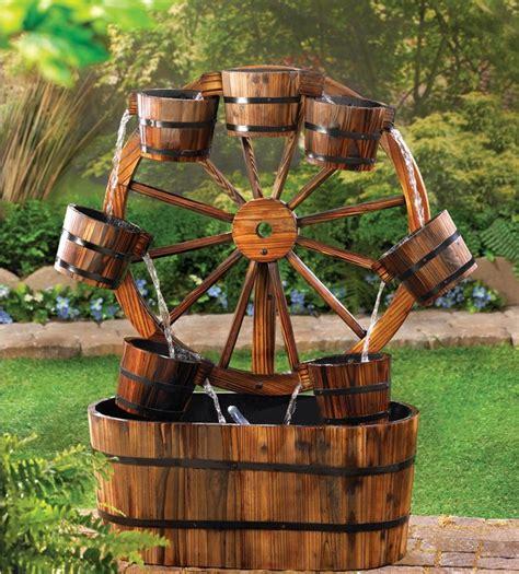la fontaine aux cuisines 15 idées fantastiques avec fontaines de jardin en bois