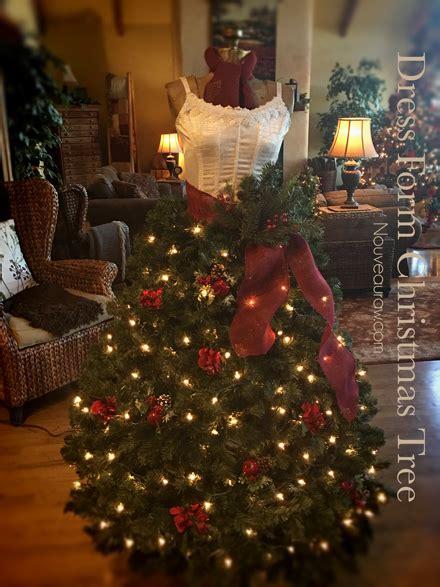 create  dress form christmas tree