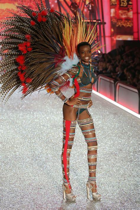 MARIA BORGES at Victoria's Secret Fashion Show 2016 ...