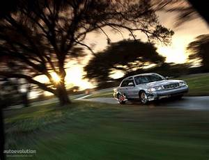 Ford Crown Victoria Specs