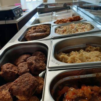 Vistas gaļas ēdieni un vistas gaļas ēdienu piegāde