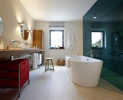 schöner wohnen weiß gro 223 z 252 giges badezimmer bild 5 sch 214 ner wohnen