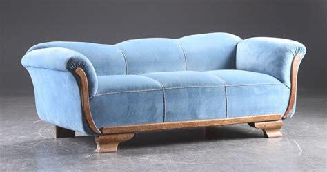 canapé ancien velours ancien canapé en velours bleu ées 1920 1930 catawiki