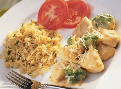 chicken divan with rice chicken divan with aromatic rice publix recipes