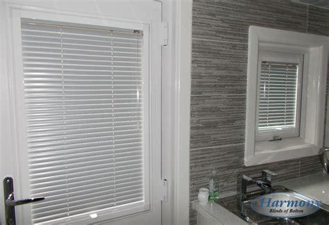 vertical blinds for patio doors fabric fit venetian blinds in a kitchen door and window