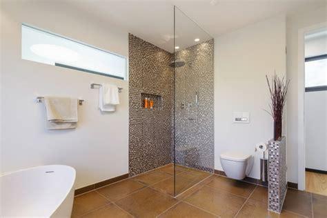 Moderne Und Innovative Duschemoderne Freistehende Duschkabine by Moderne Badezimmer Mit Dusche