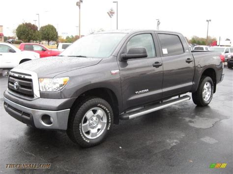 toyota tundra trd crewmax   magnetic gray