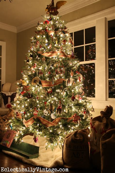 Eight Elegant Christmas Tree Decor Ideas. Ideas For Christmas Tree Decorating Themes. White Christmas Party Decorations. Christmas Decorations For Stairs Uk. Christmas Decorated House In The Bronx. Commercial Exterior Christmas Decorations. Christmas Light Decorations Nj. Rustic Christmas Decorations Pinterest. Christmas Tree Decorations Bow