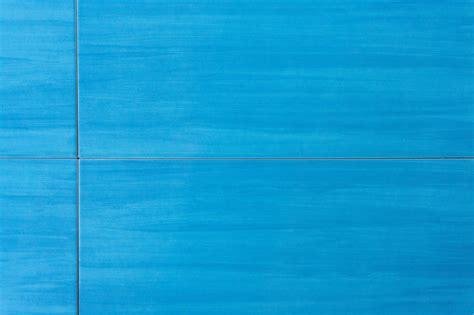 Wandfliese blau 20x50 - dieFliesen.com