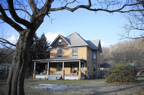 the house pa struggles to sell silence of the lambs house