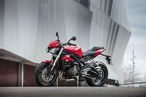 Street Triple S : 2018 triumph street triple s review totalmotorcycle ~ Maxctalentgroup.com Avis de Voitures
