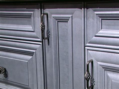 kitchen cabinet pulls and handles choosing kitchen cabinet knobs pulls and handles diy