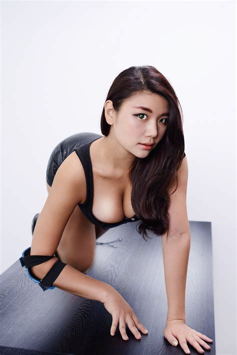 맥심 모델 최혜연 아찔한 엉덩이 뒤태가숨막혀 일간스포츠
