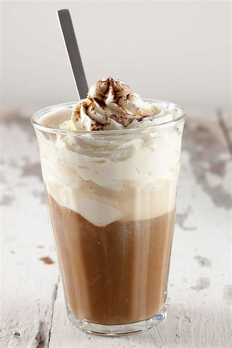 Vanilla ice cream hot coffee   ohmydish.com
