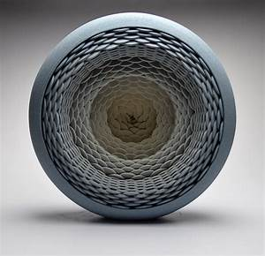 Concentrically layered ceramic sculptures and vessels by for Concentrically layered ceramic sculptures and vessels by matthew chambers