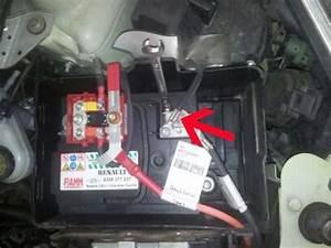 Batterie Twingo 3 : changer une batterie sur twingo astuces pratiques ~ Medecine-chirurgie-esthetiques.com Avis de Voitures