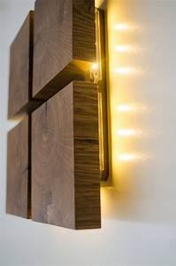 Lampen Aus Holz : wandleuchte aus holz dekor 1 handgefertigt eiche led lampe lampen mit holz pinterest led ~ Markanthonyermac.com Haus und Dekorationen