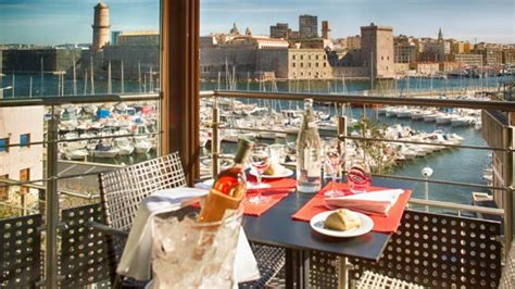 marseille vieux port restaurant restaurant novotel caf 233 marseille vieux port 224 marseille 13007 menu avis prix et r 233 servation