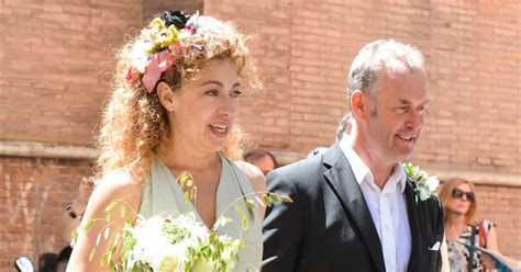 doctor  star alex kingston marries tv producer jonathan stamp  romantic italian ceremony