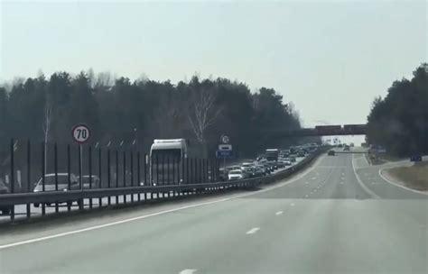 Ceļā uz Saulkrastiem izveidojies milzīgs sastrēgums ...