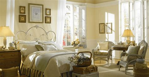 perfect yellow paint color   bedroom