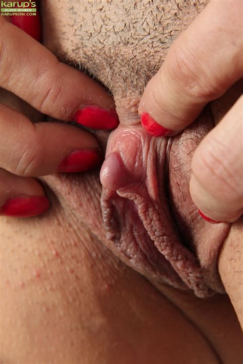 isabella rodriguez and her wonderful pussy are reaching sexual peak