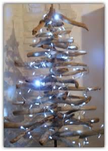 Arbre De Noel En Bois : sapin de noel bois flotte recup willow bois flottes ~ Farleysfitness.com Idées de Décoration