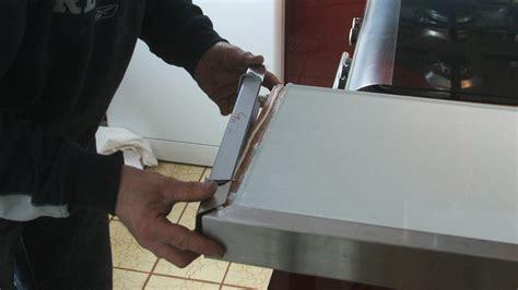 meuble bas cuisine avec plan de travail rhabiller sa cuisine en plaques de verre