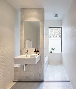 Schmales Kinderzimmer Einrichten : schlauchbad einrichten so wirkt es ger umig ~ Lizthompson.info Haus und Dekorationen