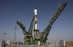 Russia delays next manned space flight