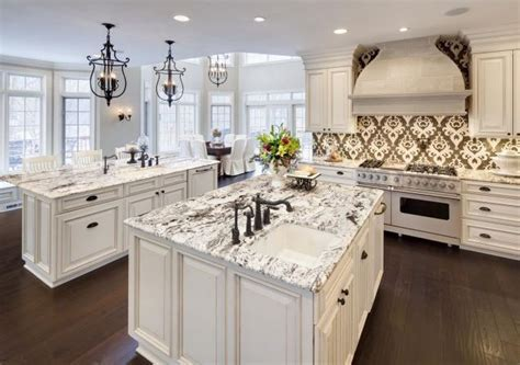 What tile coordinates with a calacatta or carrera marble