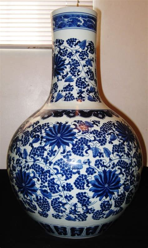 antique huge chinese porcelain blue white vase qianlong