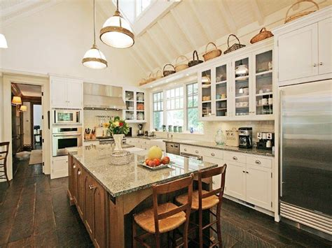 kitchen cabinets tall ceilings see this house a 16 9 million dollar summer house in