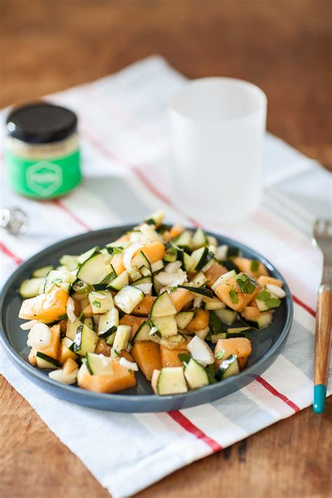comment cuisiner un concombre salade de melon et concombre au miel buplèvre de chez honly