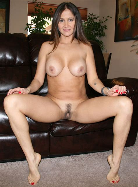 Milf In Brazil Love With Woman