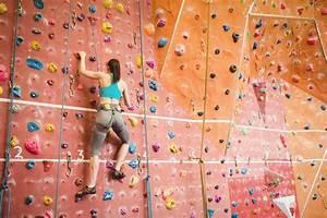 Spiele Für 2 Jährige Zu Hause : eine eigene kletterwand f r zu hause ~ Whattoseeinmadrid.com Haus und Dekorationen