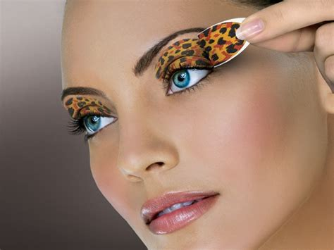 leopard make up eye catching make up for a leopard dress zone