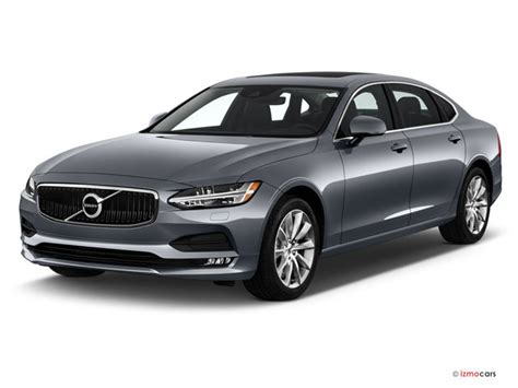 volvo   awd momentum specs  features