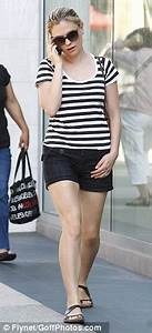 True Blood's Anna Paquin looks long and lean as she shops ...