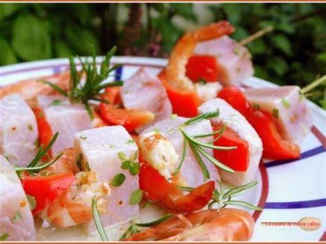 caillou fait la cuisine recettes de compote de la cuisine de mamie caillou