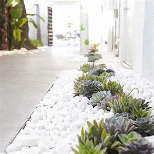 Weiße Steine Garten : 80 ideen wie ein minimalistischer garten aussieht ~ Lizthompson.info Haus und Dekorationen