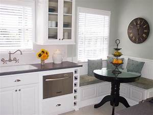 Comfortable and practical family kitchen designs: Kitchen ...