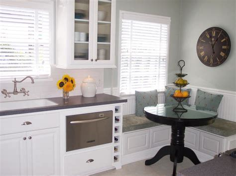 Comfortable and practical family kitchen designs