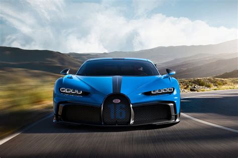 To defeat its own veyron supersport, the company had to shoot for more than 258 mph—surely not an easy target—but the new car is limited to 261. Bugatti Chiron Pur Sport: sobre raíles   Autocasión