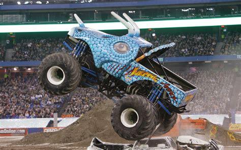 wheels monster jam truck julian 39 s wheels blog jurassic attack monster jam truck